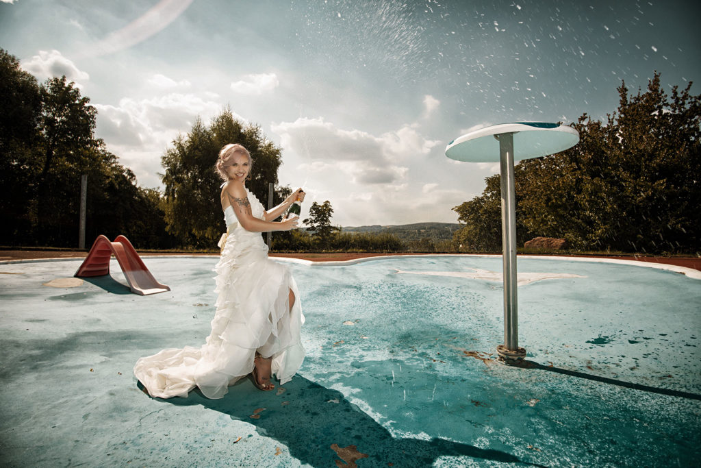Sekt und Braut - Trash the Dress
